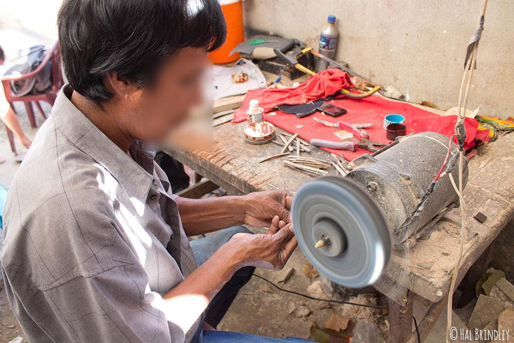 artisan carving tortoiseshell jewelry